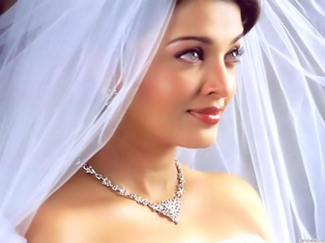 bollywood-celebrity-aishwarya-ray-actress-india-wedding-gown-pretty-beautiful-eye