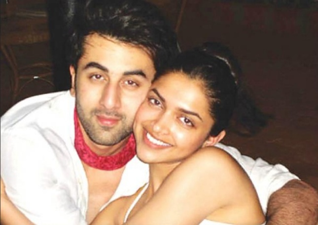 Deepika-Padukone-hot-with-Ranbir-Kapoor-2013