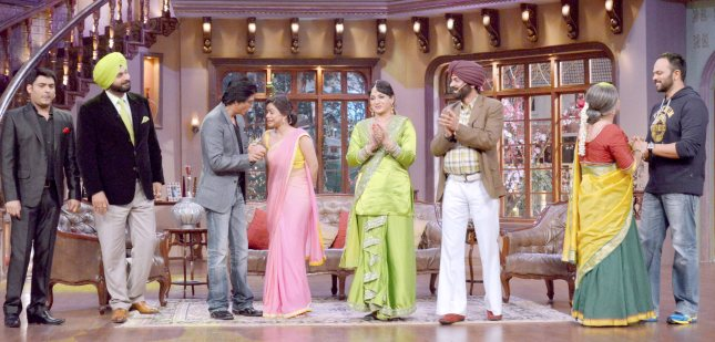 Kapil Sharma, Navjot Singh Sidhu, Shah Rukh Khan and Rohit Shetty2