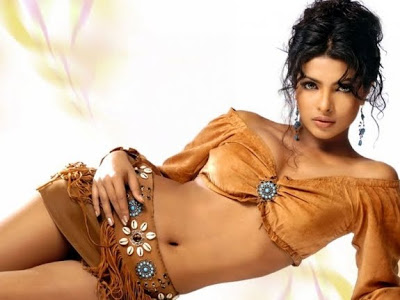 bollywood_actress_priyanka_chopra_hot_photo_stills_07