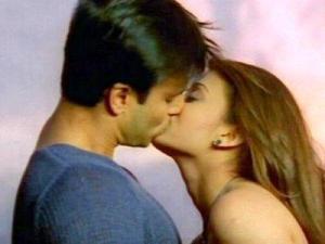 "Vivek Oberoi and Aishwarya Rai Bachchan in ""Kyun Ho Gaya Naa."""