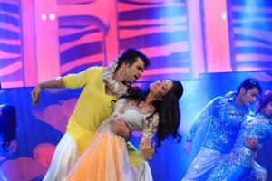 Rithvik Dhanjani and Asha Negi performing at SAIFTA in Durban, South Africa, September 6, 2013.