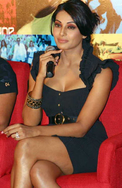 Actress-Bipasha-+Basu-photos-+02