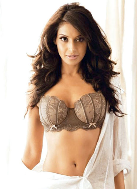 Actress-Bipasha-+Basu-photos-+04
