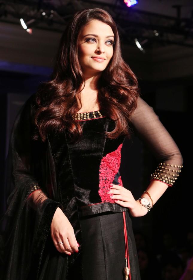 Aishwarya Rai (28)