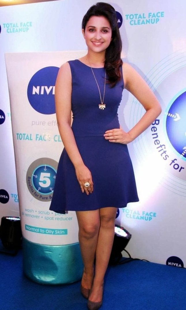 Parineeti Chopra Sexy Photos At Nivea Meet And Greet Event 2013 (1)