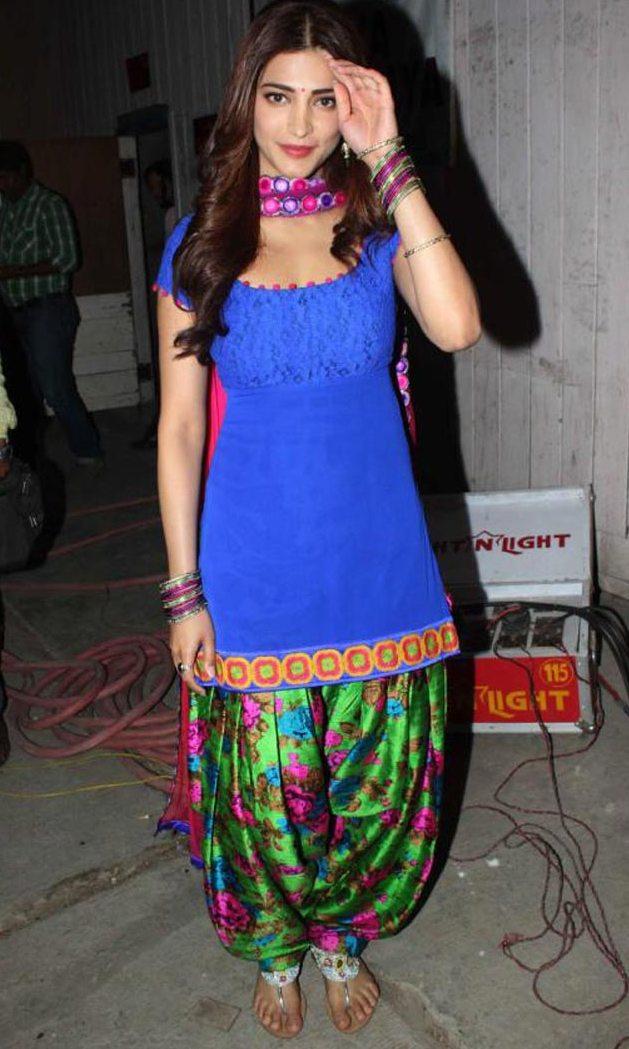 Shruti Haasanat Hot Photos At Ramayya Vasthavayya Movie Location 5