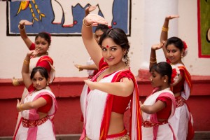 Sonakshi Sinha as a Bengali in Bullett Raja (3)