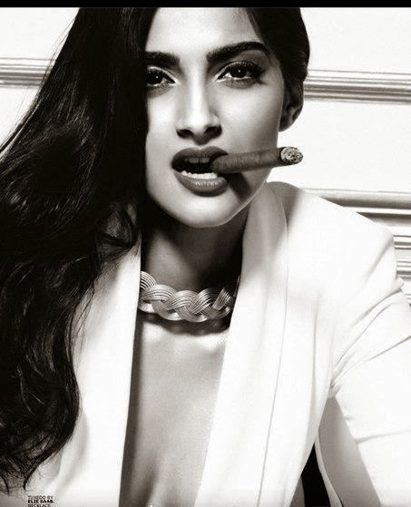 sonam+kapoor+hot+photoshotogq+october+2013+%285%29