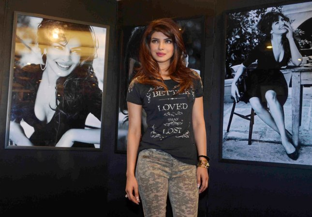 11_Priyanka Chopra_01Dec2013