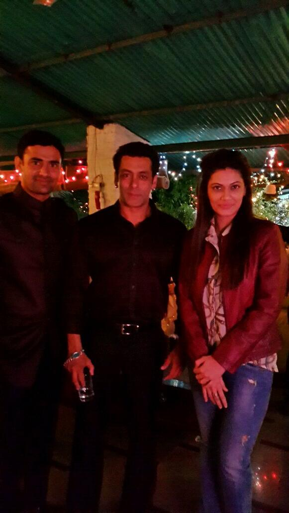 1_Sangram Singh , Salman Khan and Payal Rohatgi_31Dec2013